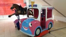 Ode Pferd und Hanks Ice Van im Untergeschoß EKZ CCB